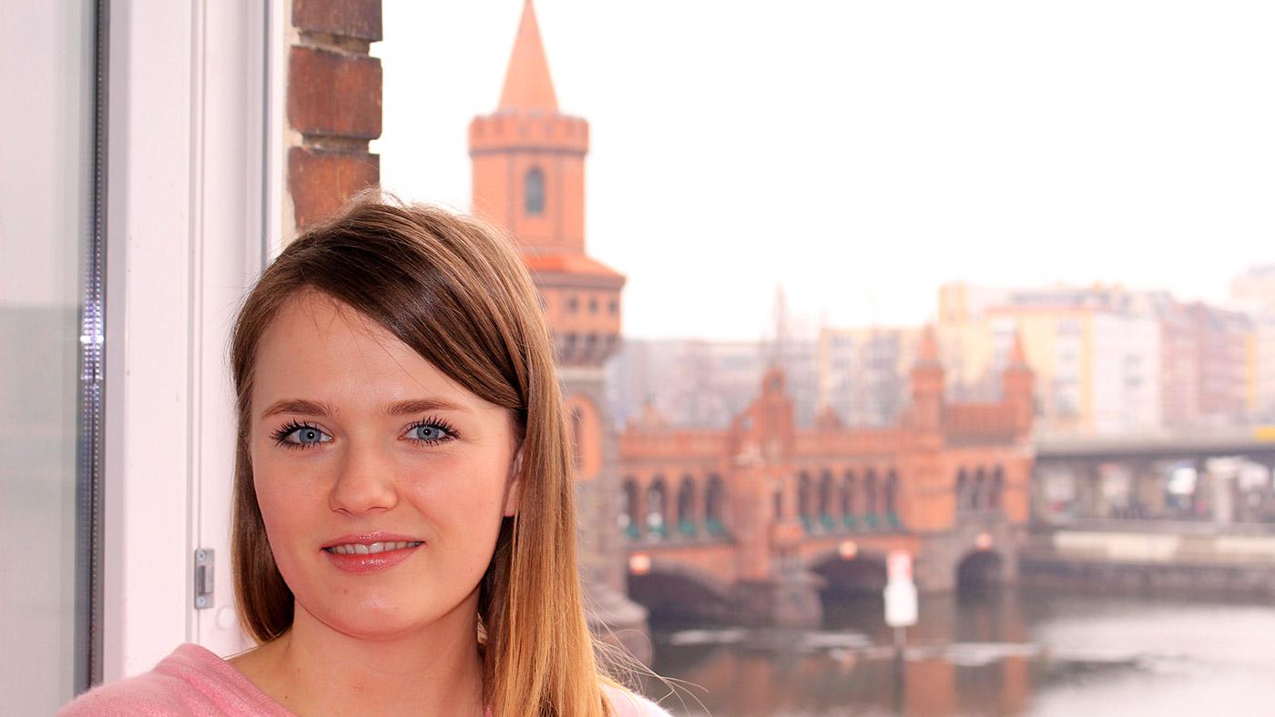 """Content- und Social-Media-Managerin Katharina Kirchhoff arbeitet in der Presse- und Öffentlichkeitsarbeit im FCZB ©2018"""""""