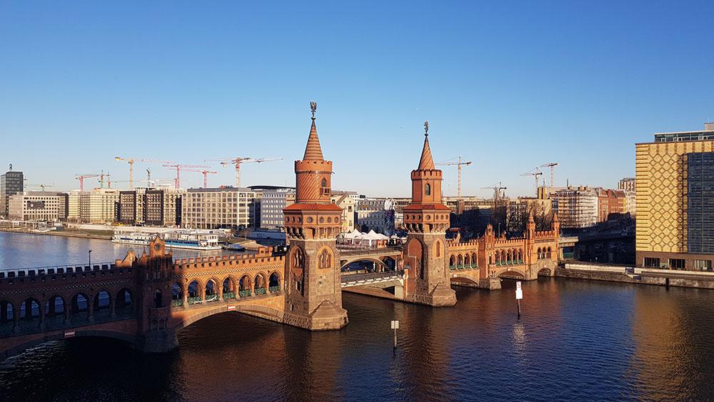 Blick aus dem FCZB auf die Oberbaumbrücke