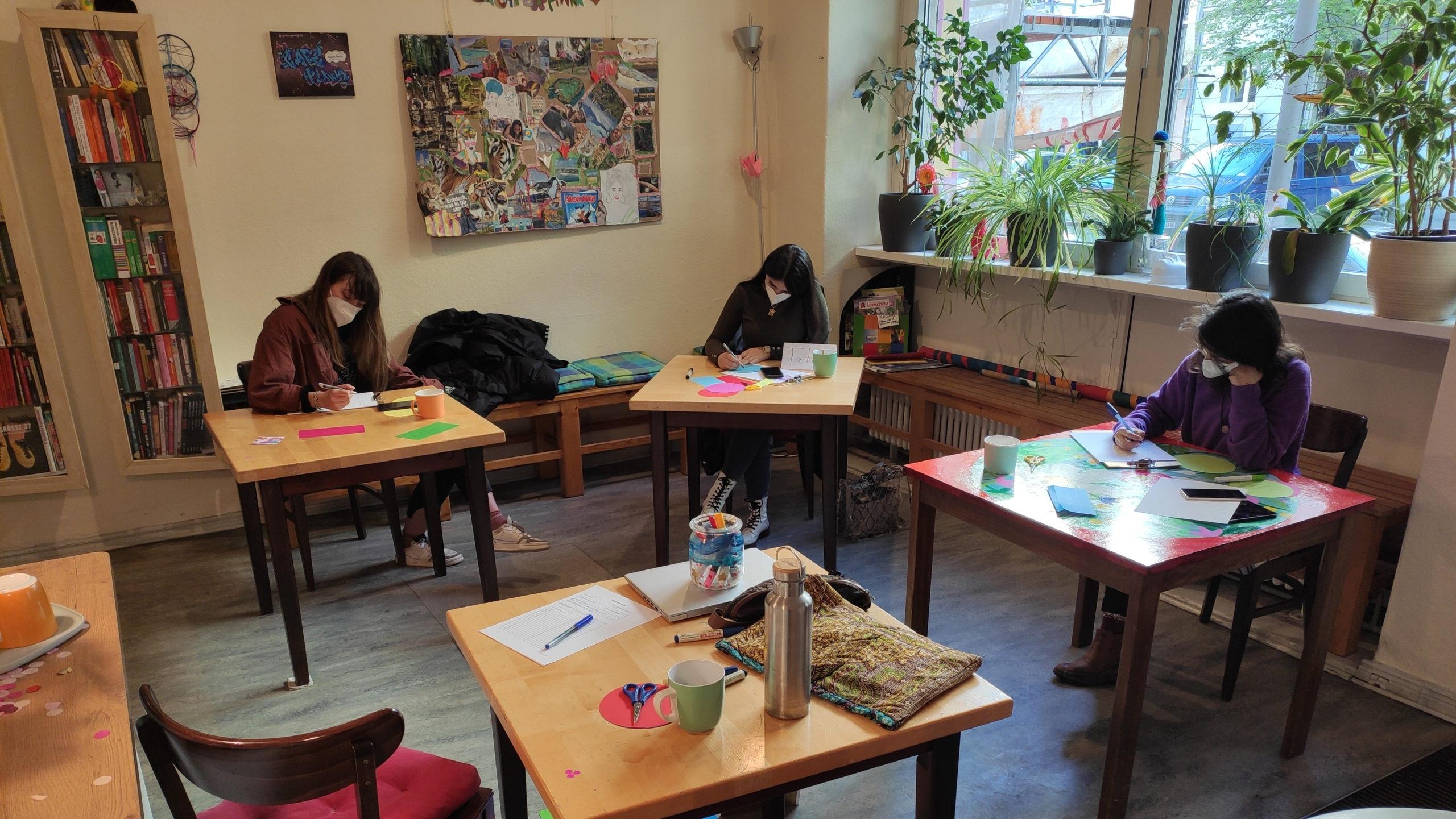 DigitalAngels-Workshop im Café Pink © Maria Fischer