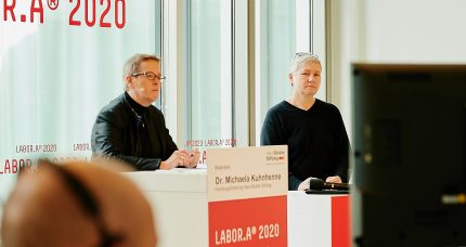 Dr. Karin Reichel, Geschäftsführerin des FCZB bei der Konferenz LABOR.A 2020 – die Arbeit der Zukunft © Foto: Gerngross & Glowinski