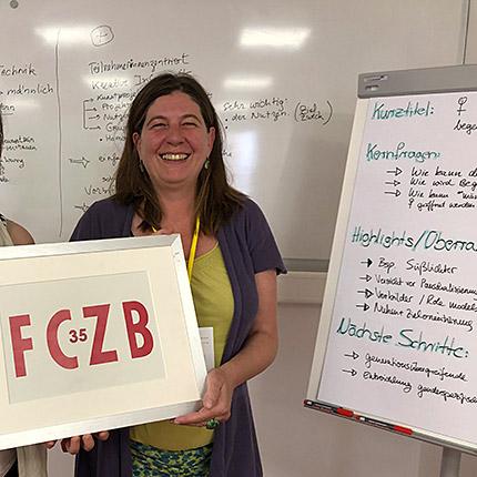Dr. Isabelle Böhnke will mehr Frauen für Technik begeistern in ihrer Session bei #FrauenProjekteDigital, dem Barcamp des FCZB (c) FCZB 2019